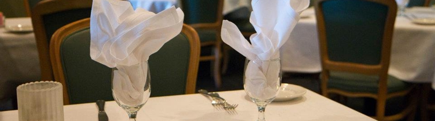 Table setting at the Twisted Pizza Kitchen at Days Inn Towson hotel